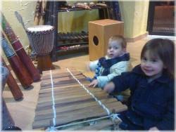 Niños en Instrumentos Etnicos.org